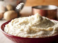 Ultra Creamy Mashed Potatoes Recipe | http://aol.it/1rZblek