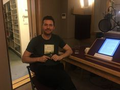 28-4-2018 My thanks to actor Richard Armitage (Thorin Oakenshield in @TheHobbitMovie) for a great job reading #TheManfromStPetersburg  as an audiobook. @RCArmitage @PanMacmillan