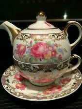 Beautiful. Tea for one. Gilded Rose Bone China