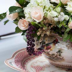 TOQUE 'CASEIRO' | escolha louça estilo chinesa para levar um toque aconchegante e íntimista à decoração. #casaremcasa #inspiração #casamento #wedding #Tecnisa Foto: WeddingChicks