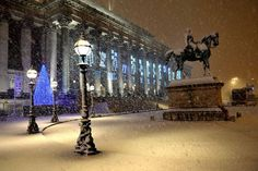 St George's Hall, Liverpool, England, Christmas, Winter snow