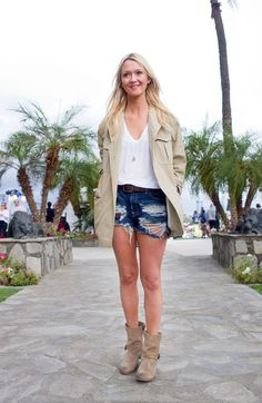 Stylist Zanna Roberts Rassi knows the power of keeping it effortless with her ripped cutoffs and a white T-shirt.