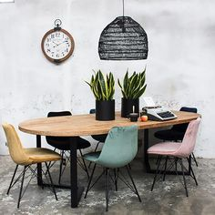 Industrie Esstisch FEBY 240 x 120 cm oval Esszimmertisch Massivholz Dinnertisch Metall schwarz Industrial dining table FEBY 240 x 120 cm oval dining table solid wood dinner table metal black Selection: 1 x industrial dining table FEBY 240 x 120 cm ov … Dinner Tables Furniture, Dining Furniture, Dining Chairs, Student Room, Industrial Dining, Diy Table, Decoration, Design, Home Decor
