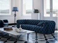 Kapitoniertes Sofa aus Leder CHESTER MOON | Sofa by BAXTER