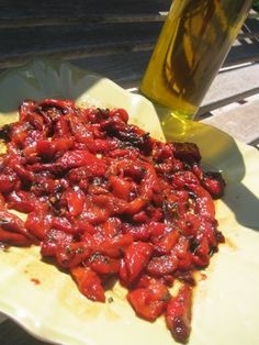 Peppers marinated in olive oil... hmmm !!! Recipe in French included