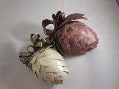 Paper, Scissors, Ink.: Paper Pinecone Ornaments for your tree -- older grandchildren could make these