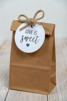 Sweet Wedding Favors, Chocolate Wedding Favors, Wedding Favor Tags, Cookie Wedding Favors, Wedding Bag, Creative Gift Wrapping, Creative Gifts, Cookie Wrapping Ideas, Free Printable Gift Tags