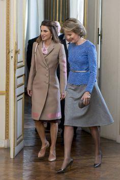 Rania de Jordania, me encanta tu abrigo !!!!
