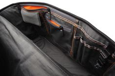 Incase: EO Collection: Messenger Bag $189.95