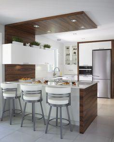 Armoires de cuisine contemporaine en merisier et bois de rose Simard cuisine et salle de bains