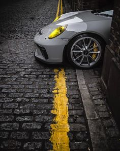 The Porsche 911 is a truly a race car you can drive on the street. It's distinctive Porsche styling is backed up by incredible race car performance. Porsche 911, Porsche 918 Spyder, Porsche Carrera Gt, Lamborghini, Maserati, Ferrari, Supercars, Automobile, Ferdinand Porsche