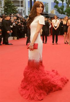 Unique dress design -- Cheryl Cole from Cannes on http://www.sushit.net