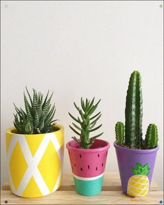 Hand-Painted Pineapple And Watermelon Pots - Cactus DIY Painted Plant Pots, Painted Flower Pots, Summer Crafts, Diy And Crafts, Flower Pot Art, Diy Planters, Pottery Painting, Terracotta Pots, Clay Pots