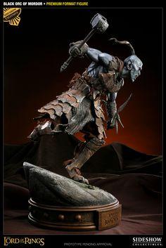 Premium Format Figure - Black Orc of Mordor #3000751