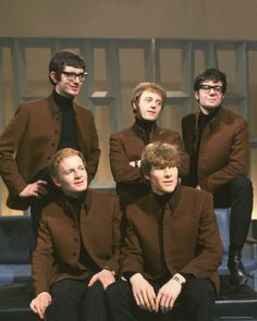 MANFRED MANN.....with Paul Jones.....Mike Vickers......Mike Hugg.....Tom McGuinness