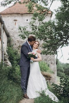 Thanks to restrictions caused by COVID-19 pandemic, elopements have skyrocketed in 2020, here's What Everybody Gets Wrong About #Elopements! #wedding #ElopeNowPartyLater Elope Wedding, Wedding Dresses, Elopements, Wedding Photography, Bride Dresses, Bridal Gowns, Weeding Dresses, Wedding Dressses, Bridal Dresses