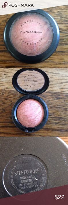MAC mineralize skinfinish. The shade is Stereo Rise and it's been used just a couple of times.  In good condition. MAC Makeup Bronzer
