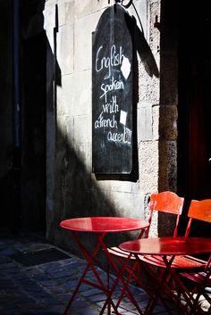 ☕ Paris Café ☕ art English spoken with a French accent red chairs Cafe Bistro, Cafe Bar, Cafe Restaurant, Cafe Sign, Paris 3, I Love Paris, Little Paris, Cafe Tables, Beaux Villages