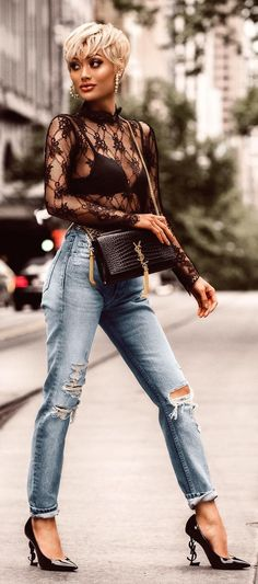 220d5c59c57 10 Ripped Jeans Outfit Ideas For Women To Style This Season!