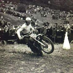 Take a peek at many of my favorite builds - unique scrambler bikes like Vintage Bikes, Vintage Motorcycles, Vintage Cars, Scrambler Motorcycle, Motorcycle Art, Old Scool, Motocross Riders, Off Road Racing, Vintage Motocross