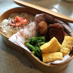 posted from @_ik_s 今日の #お弁当 ♩卵焼き、甘辛タレの唐揚げ、春菊お浸し、シャケご飯♩ #obentoart #i_obento