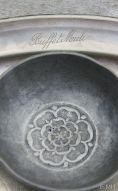 White bowl with goldleaf medallion lotus in bottom... or in pink or orange