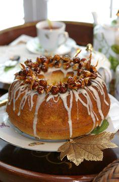 November 13, 2011  http://www.akeytothepantry.com/post/12777703192/whipping-cream-cake-with-caramelized-hazelnuts