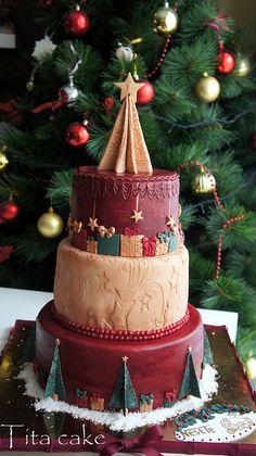 Christmas cake by hrisiv, via Flickr