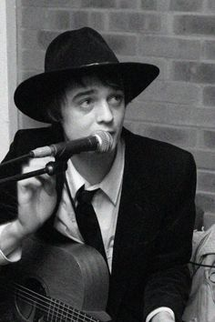 Pete Doherty Carl Barat, Pete Doherty, The Libertines, Love Me Forever, My Love, Darts, Bobs, Musicians, Concept