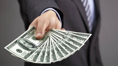 Dólar perde força de 1% na semana e segura a banda informal de R$3,21 - http://po.st/u8rVKF  #Economia - #BC, #Dólar, #Euro, #Política