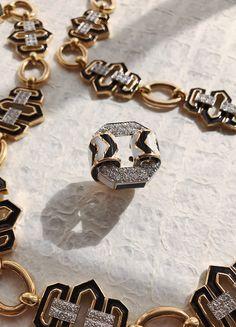 Brilliant-cut diamonds, black and white enamel, gold, and platinum Chevron Ring, David Webb, Graphic Patterns, White Enamel, Op Art, Manhattan, 18k Gold, Minimalism, Diamonds