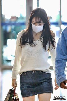 Official Korean Fashion : Airport Fashion: F(x) Krystal Fashion Idol, Kpop Fashion, Star Fashion, Daily Fashion, Girl Fashion, Fashion Outfits, Korean Airport Fashion, Korean Fashion, Krystal Jung Fashion