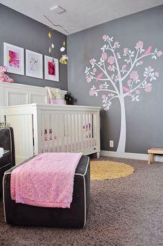 Stickers+arbre+:+une+belle+idée+déco+pour+la+chambre+bébé