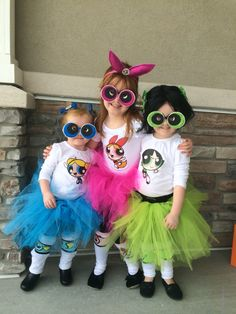 Love themed or coordinating sibling Halloween costumes? Here's some ideas for coordinating Halloween costumes for sisters! Halloween Costumes For Sisters, Diy Girls Costumes, Superhero Halloween Costumes, Sister Costumes, Super Hero Costumes, Costume Ideas, Halloween 20, Powerpuff Girls Halloween Costume, Pretty Halloween