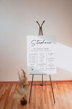A modern birthday information sign that you can self edit and print wherever you like. It comes in 3 sizes. Wedding Seating Plan Template, Seating Plan Wedding, Seating Chart Template, Wedding Table, Photo Guest Book, Seating Cards, Sign Templates, Minimalist Wedding, Modern Minimalist