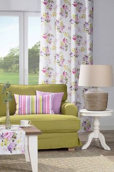 Obývačka v jarných odtieňoch    #obyvacka#jar#kvety#potahnasedacku#IKEA#zavesy Ikea, Shabby, Curtains, Home Decor, Living Room, Floral Patterns, Interior, Homes, Blinds