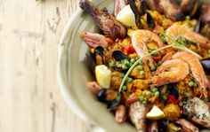 Paella Paella, Risotto, Dinner Ideas, Ethnic Recipes, Food, Red Peppers, Essen, Supper Ideas, Meals