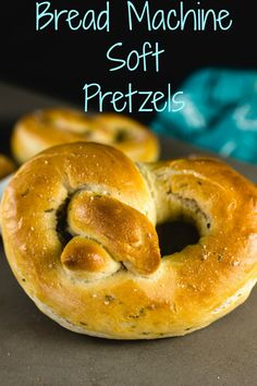 Bread Machine Soft Pretzels I love a soft pretzel more than the next person, but I hate kneading the dough, that's why I use my bread machine to help make my soft pretzel. Pretzel Recipe Bread Machine, Pretzel Bread Recipes, Bread Maker Recipes, Easy Bread Recipes, Chef Recipes, Cooking Recipes, Bread Machine Recipes Healthy, Zone Recipes, Recipies