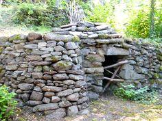 Résultats Google Recherche d'images correspondant à http://www.tourisme-lescheires.com/images/info_pages/cabanes-de-pierres-seches-52.jpg