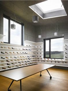 Ever considered displaying shoes SIDEWAYS? Sure, it'll take up some more space in your #consignment or resale shop, but tres chic for designer boutiques. (And great for areas where you can't put a deeper shelf system....)