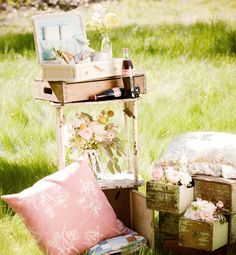 Spot on styling. Love the flowers in the open drawers. 40sInspiredWedding_06