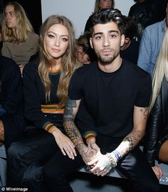 Gigi Hadid & Zayn Malik Hold Hands at Versace Show During London Fashion Week!: Photo Gigi Hadid and Zayn Malik make their way through the crowds after the Versus Versace show during 2016 London Fashion Week on Saturday (September in London, England. Gigi Hadid Und Zayn, Gigi Hadid And Zayn Malik, Jaden Smith, American Music Awards, Joe Jonas, Celebrity Couples, Celebrity Pictures, Sports Illustrated, Squad