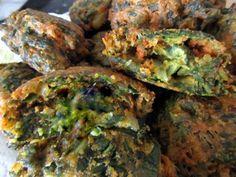 Aprende a preparar buñuelos de acelga sin huevo con esta rica y fácil receta. Los bhajis son unos buñuelos tradicionales de la gastronomía india que se elaboran a... Baked Potato, Sprouts, Brunch, Food And Drink, Gluten, Potatoes, Baking, Vegetables, Ethnic Recipes