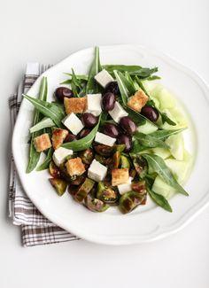 Insalata estiva di cocomero verde pugliese. olive nere, primo sale e pomodori buoni | by Vanigliacooking