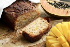 Mangolla ja papaijalla maustettu banaanileipä sopii herkutteluun niin aamupalapöydässä kuin kahvipöydässäkin. 1 leipä Valmistusaika: 15