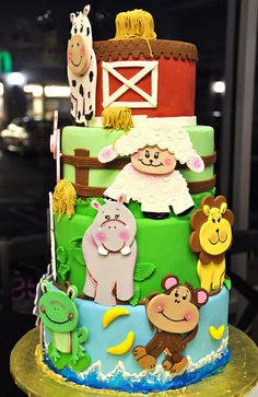 farm cake- really cute but when did lions and monkeys become farm animals. ;)