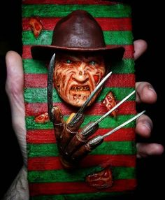 Just placed an order for this Freddy magnet! It's a 3 piece magnet! I'm astactic about it! Can't wait to show it off on my fridge! Freddy Krueger, My Nightmare King! 😍💯❤️😘