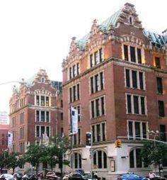 John Jay College - Americasroof / Wikimedia Commons