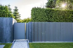 Modern Entrance, Entrance Design, Entrance Gates, House Entrance, Modern Landscaping, Backyard Landscaping, Iron Fence Gate, Gate Wall Design, Compound Wall Design