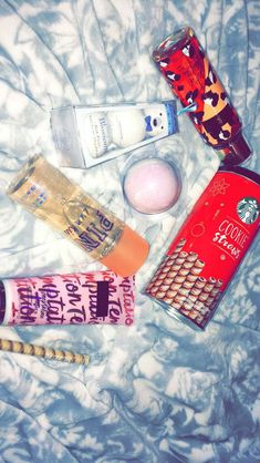 95016319a8826  christmas  selfcare  victoriassecret  pink  bathbomb  perfume  starbucks